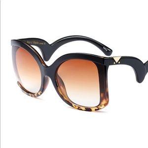 Accessories - Leopard Big Dipper Framez